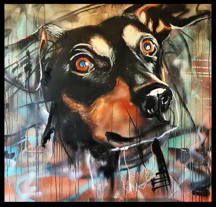 Portret schilderij van hond en huisdier Paninaro met spuitbus en stift op doek door timbert