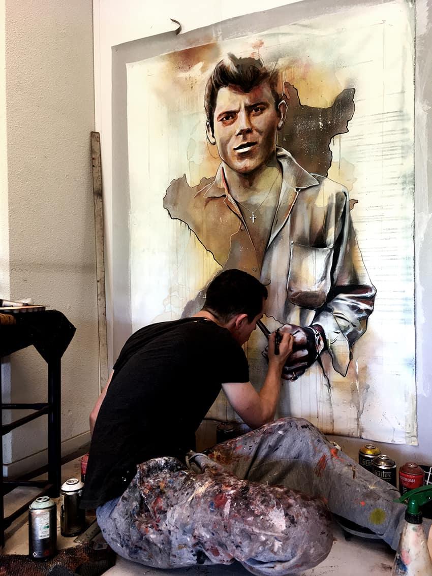 portret Angelo abstract achtergrond realistisch man spuitbus stift schilderij acrylverf kunst timbert van der rijst work in progress2
